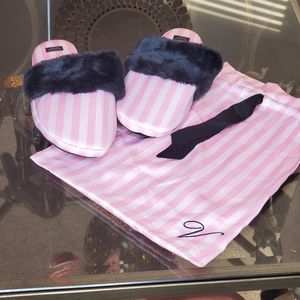 NWT Victoria Secret Pink Stripped Slippers 9-10